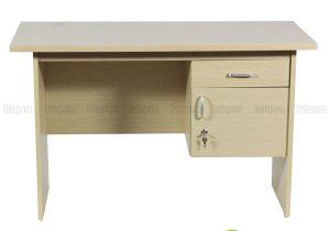 Những ưu điểm của bàn làm việc gỗ có hộc