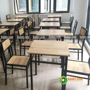 Bàn cafe vuông gỗ thông ghép thanh